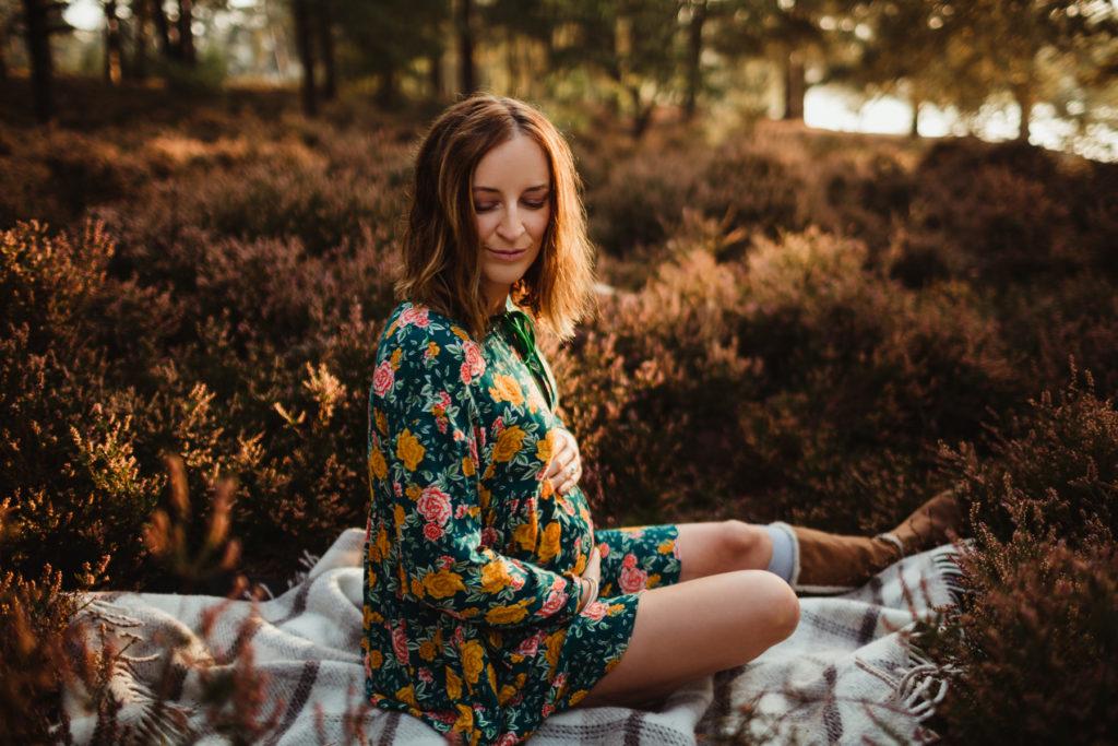 evening pregnancy shoot