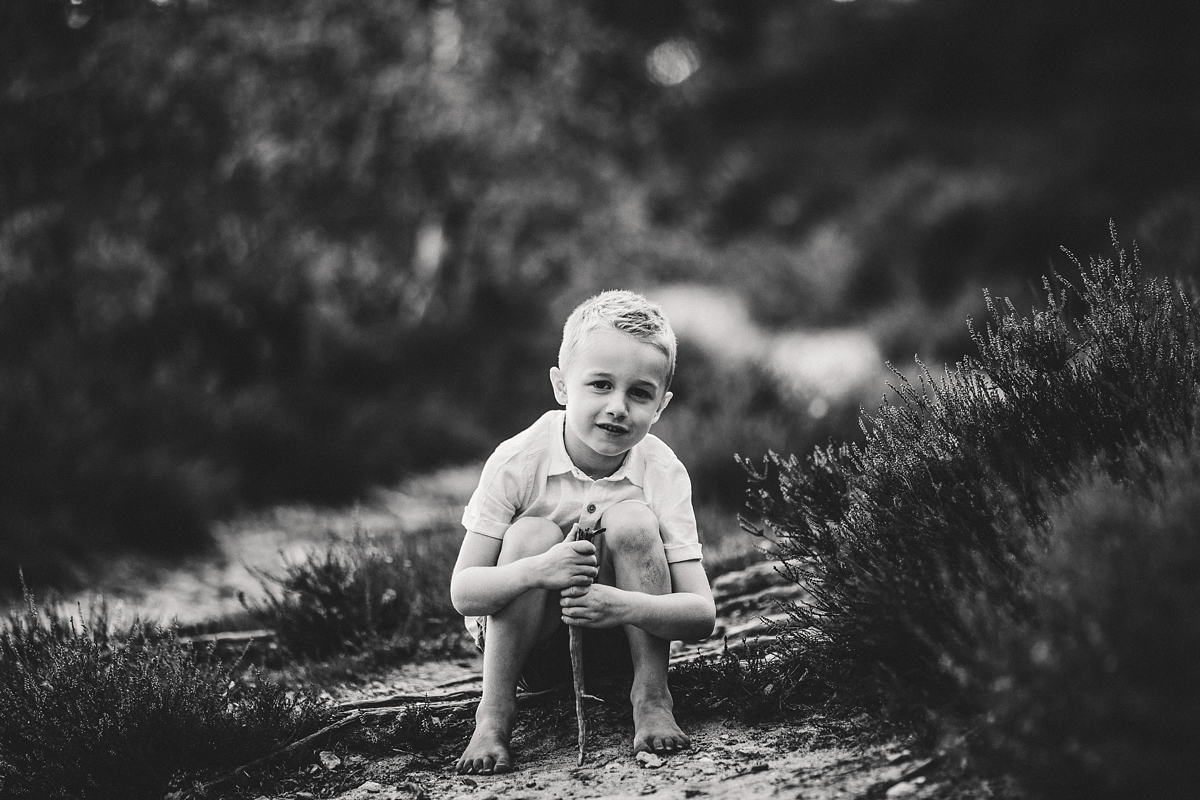 bw child photography